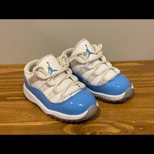 Nike Air Jordans XI 11 Low Retro Carolina Blue